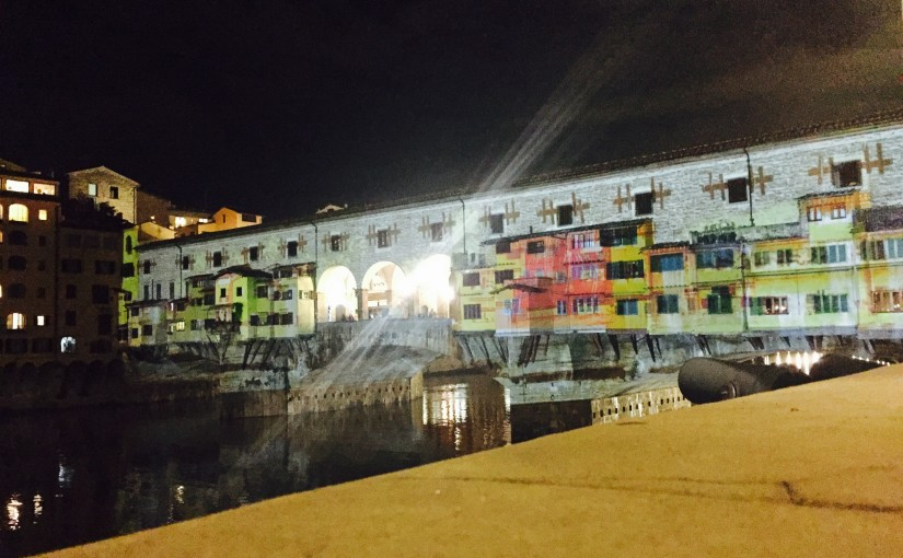 🌊 Projections and videomapping at Ponte Vecchio, rembering the disastrous flood in Florence